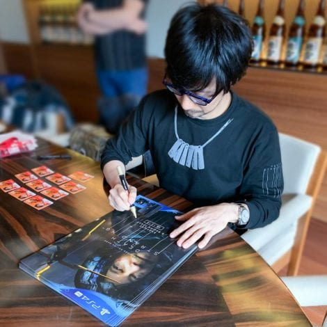 постер с автографом Хидео Кодзимы